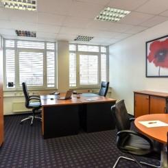 flexible Arbeitsplätze ab mtl. 110,- und kleine Büros ab 13m² sowie Meetingräume bis 22 Personen