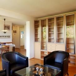 Für Eigennutzer oder Kapitalanleger: gepflegte Drei-Zimmer-Wohnung mit Ausbauoption im Dachgeschoss
