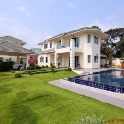 Villen in Top Qualität im Grünen vor Nord Pattaya - von europäischem Bauträger in Nord Pattaya (120 – 256 qm)