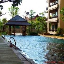 Zentrale, ruhige Luxusapartments in Pattaya Mitte mit großem Infinity Pool in Gartenlandschaft (65 bis 138 qm)