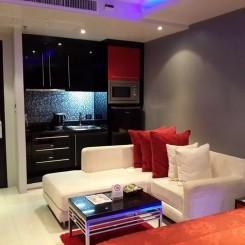 Möbliertes Luxus-Studio, 1 Min Fussweg vom Patong Strand zu verkaufen