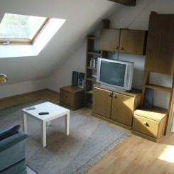 Helle möbilierte Wohnung für Einzelperson