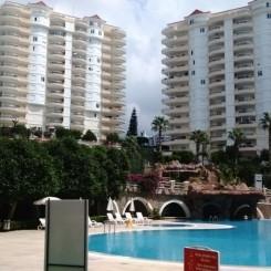 Turkey-Mahmutlar Große Wohnung zum kleinen Preis.