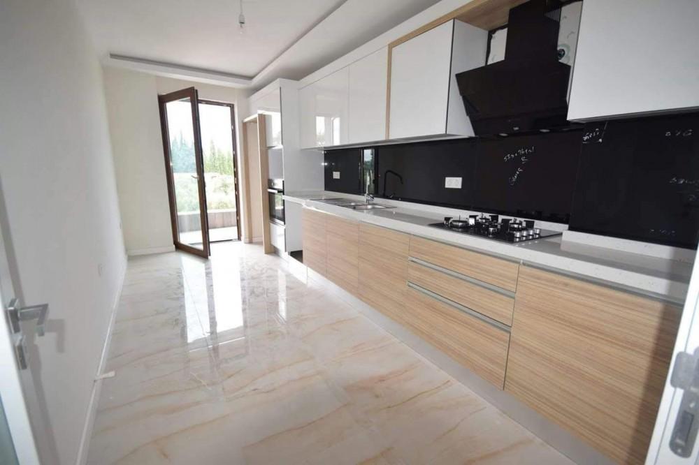 Erstbezug mit Einbauküche und Balkon: günstige, geräumige 4-Zimmer-Wohnung in Balıkesir Gömeç