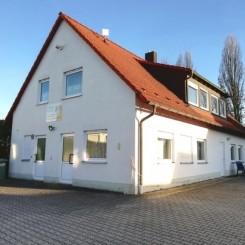Großzügiges Bürogebäude mit Lagermöglichkeit in Rednitzhembach - Gewerbegebiet Süd