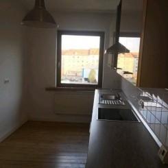 Schöne und helle Wohnung 2 Zimmer, Einbauküche