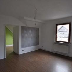 Angebot 2-Raum Dachwohnung von privat