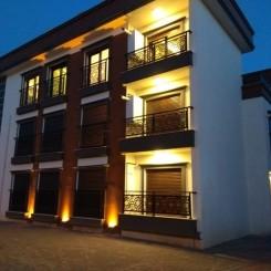 Neubau: Luxuriöses 8-Familienhaus zu verkaufen