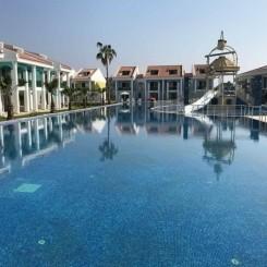 Luxuriöse kleine Villa ,direkt am strand mit feinstem Quarzsand.