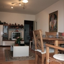 Ruhige 2 Zimmer Wohnung mit direktem Zugang zu U1