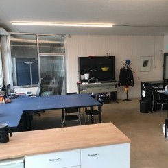 1-4 Arbeitsplätze in Atelier zu vermieten
