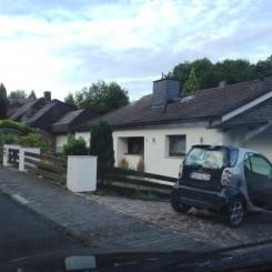 2-1/2-Zimmer-Wohnung mit EBK und kleiner Vorgartenterrasse im Idsteiner Land, in Kesselbach
