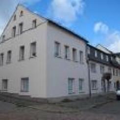 Schöne 2 Zimmer Wohnung renoviert und courtagefrei zu vermieten