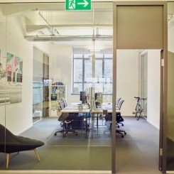 Büroraum oder einzelne Arbeitsplätze