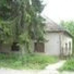 2 ha Grundstück mit renov.bed. Haus