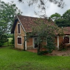 Sehr schön gelegenes EFH mit großem Grundstück von 15000 m² in Independencia Guará Paraguay