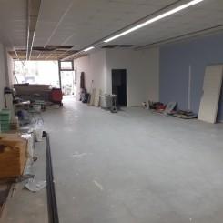 Gewerbefläche/Ladenfläche in Renovierungsbedürftigem Zustand