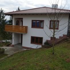 Freistehendes Einfamilienhaus mit Panoramablick über den Main