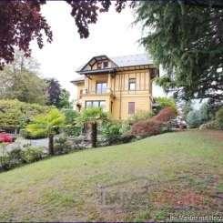 ***Schöne, altehrwürdige Villa mit Park, Gemüsegarten und Tennisplatz, sucht neuen Eigentümer***
