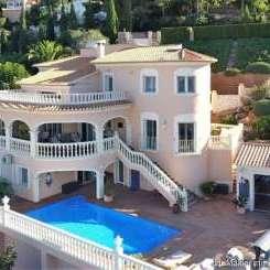 ***Villa in ausgezeichnetem Zustand mit Meerblick, privatem Pool, Außenküche, in bester Wohngegend***