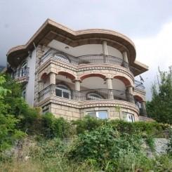 Villa mit Einlkiegerwohnung, großem Garten und Meerblick in Mahmutlar, Alanya