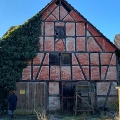 Scheune mit Stallungen, renovierungsbedürfig