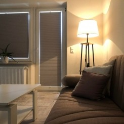 Stadtzentrale renovierte moderne zwei Zimmer Wohnung ab sofort verfügbar