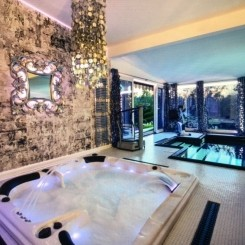 Villa mit Ihnen Schwimmbad luxuriöser Innenausstattung in Kolberg