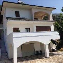 Villa in Ioannina (Krya) zum Verkauf