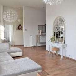TRAUMHAFTE Penthouse-Wohnung mit Terrasse und Aufzug direkt ins Apartment in Frankfurt Riedberg